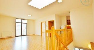 Krásný více úrovňový byt s terasou 3+kk, 95 m2 nad pasáží Rozkvět, ul. Panská