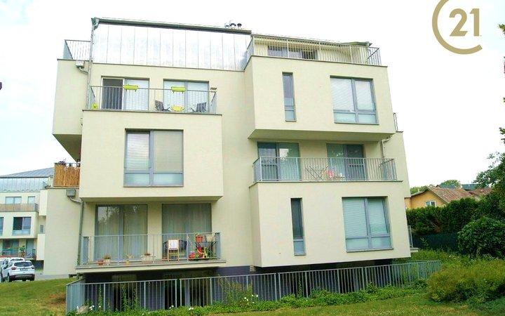 Pronájem bytu 1+kk 74 m2 s terasou.  Říčany - Na Fialce