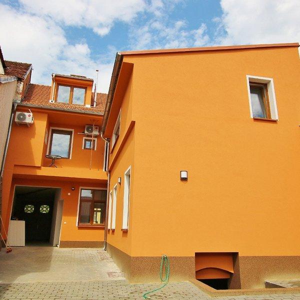 Pronájem moderního, podkrovního bytu 3+KK, Ivančice