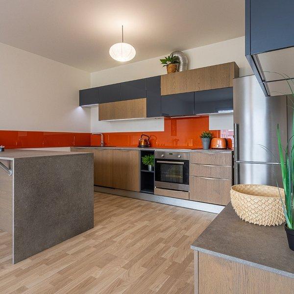 Velmi světlý byt 3+kk, balkón, 82,75 m2, Uhříněves.