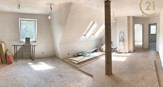 Nádherný podkrovní byt 3+kk, 85m2, Roztoky
