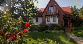 Rodinný dům 6+1 s terasou a zahradou, Brandýs nad Labem
