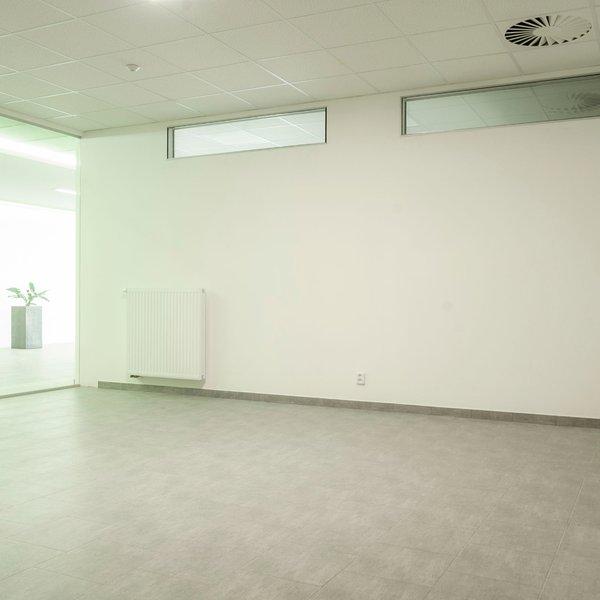 Pronájem obchodních prostor o výměře 80m2, Valašské Meziříčí, ul.Křižná.