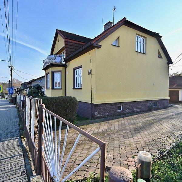 Prodej vily (312 m²) s balkónem, zahradou OVA Bartovice
