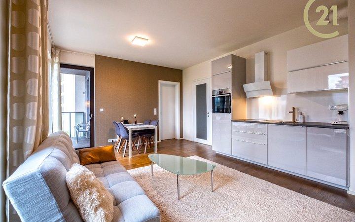 Pronájem bytu 2+kk/B/G 49 m2, Praha - Holešovice