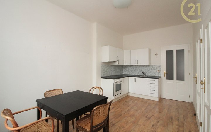 Pronájem bytu 2+1 (85,4 m) v Dejvicích