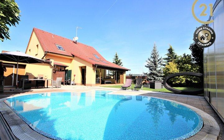 Prodej krásného RD Troubsko s bazénem a velkým pozemkem