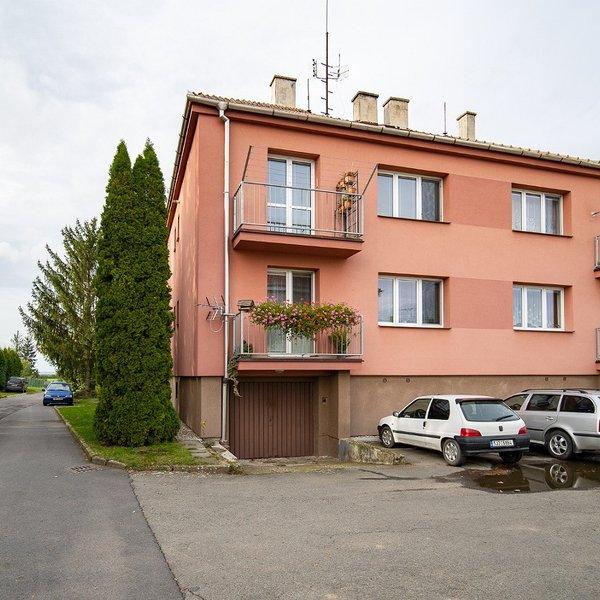 Prodej, byt 3+1, s garáží a zahradou, Hnojice