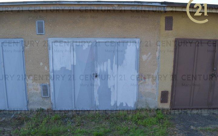 Družstevní garáž v Suchém Vrbném - Slaměný dvůr.