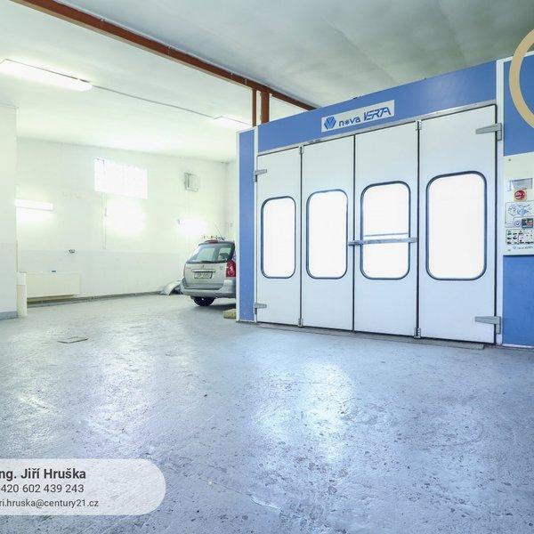 Autolakovna ve výborném stavu 170 m2, Neratovice