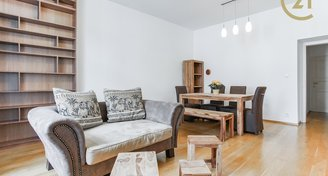 Moderní byt v cihlovém domě, 2+1, 66 m2, P2-Nové Město