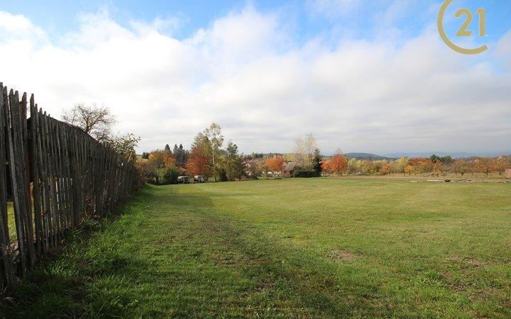 Pozemek Kořenec, soukromí, Golf 100m od pozemku