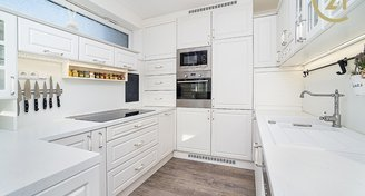 Prostorný a slunný byt 4+kk/2xB, 2x gar., sklep (118m2)