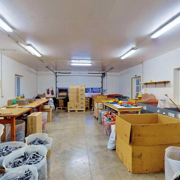 Výrobní areál s výrobou v obci Liptaň