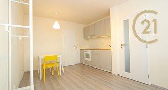 Pronájem útulného bytu 2+kk, 34 m2, Neratovice