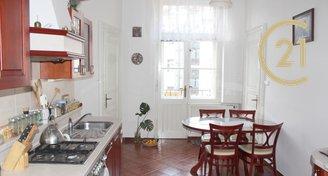 Krásný světlý velký byt 3+1+balkón / 109m² - Praha - Staré Město