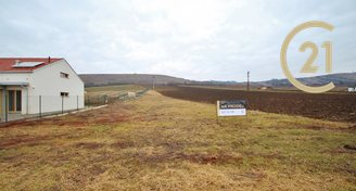 Prodej stavebního pozemku 1317 m2 v Pouzdřanech