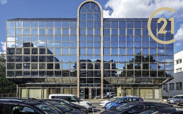 Prodej celé administrativní budovy Ohradní 1394/61, Praha - Michle