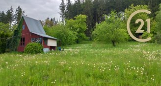 Velký pozemek 2 399 m2 v blízkosti lesa, Lysice