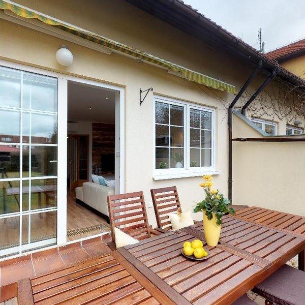 Prodej krajního RD 5+kk, pozemek 691 m2, Zvole, okr. Praha - východ