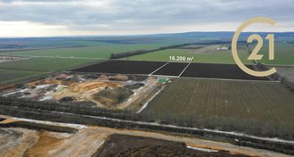 Prodej pozemku 16 198 m²  Oblekovice, Znojmo