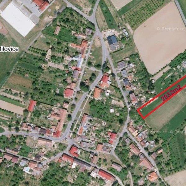 Stavební pozemek (2932m2) Milovice