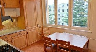 Výborně řešený světlý byt 3+1+balkón v tiché lokalitě