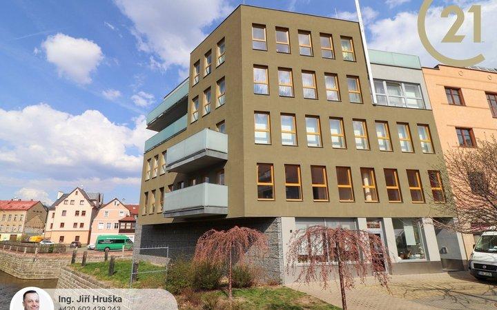 Luxusní 2+kk 85 m2 s balkonem a garáží v centru Liberce
