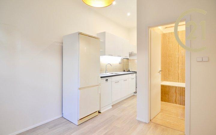Pronájem bytu 2+kk, Rostislavova ulice, Praha 4 - Nusle