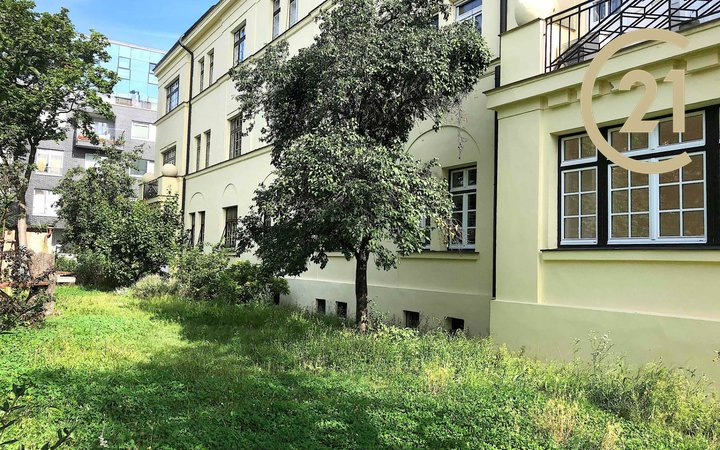 pronájem 3+1 100m2 se zahradou, Bubeneč