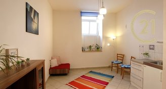 1+kk, 25m² , ateliér - Praha - Vinohrady