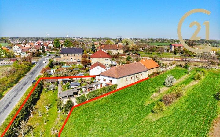 Krásný rodinný dům 7+2, 241m2 s pozemkem 2046m2, Brandýsek