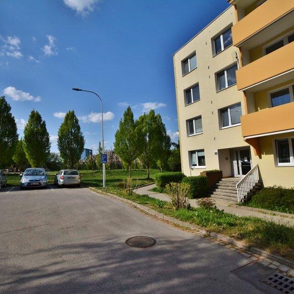 Pronájem krásného bytu 1+1 po rekonstrukci 38 m² + lodžie - Laštůvkova 8, Brno - Bystrc