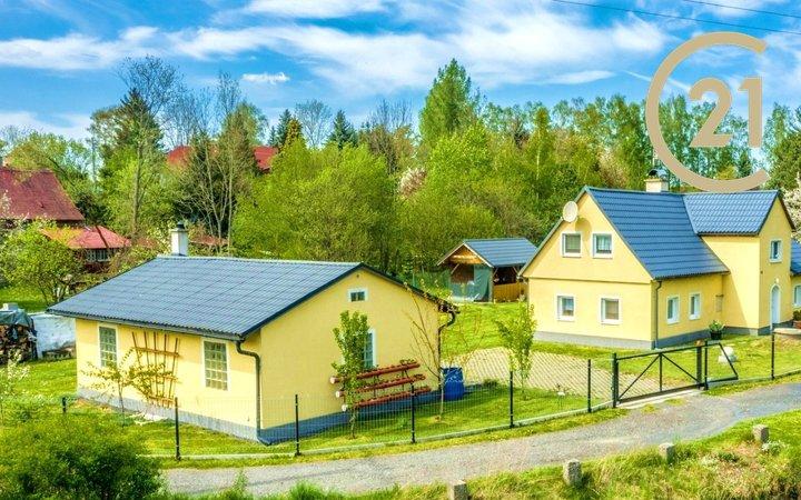 Rodinný dům 4+1, 140m2/dvougaráž/altánek/bazén, pozemek 1026m2 - Krásný Les