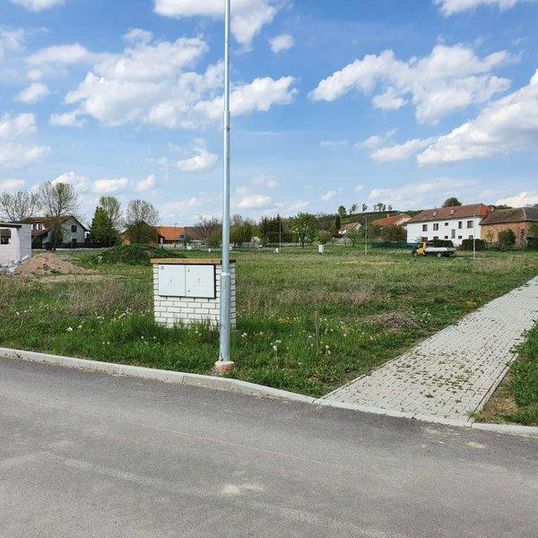 Prodej pozemku 613m2, Krakovany