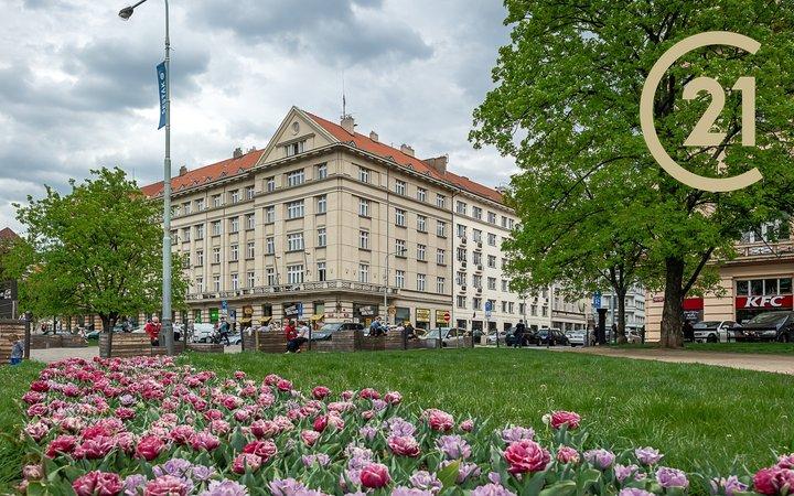 Pronájem, pokoj v rozlehlém bytě Vítězné náměstí, Praha - Dejvice