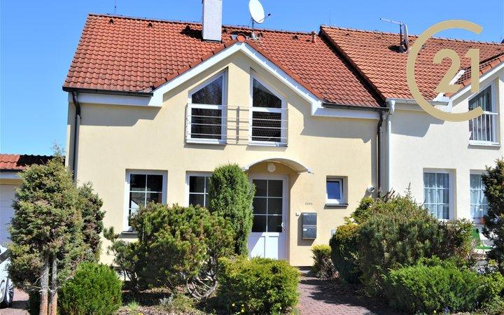 Krásný rodinný dům, podl. plocha 110m², zahrada, garáž - Hluboká nad Vltavou
