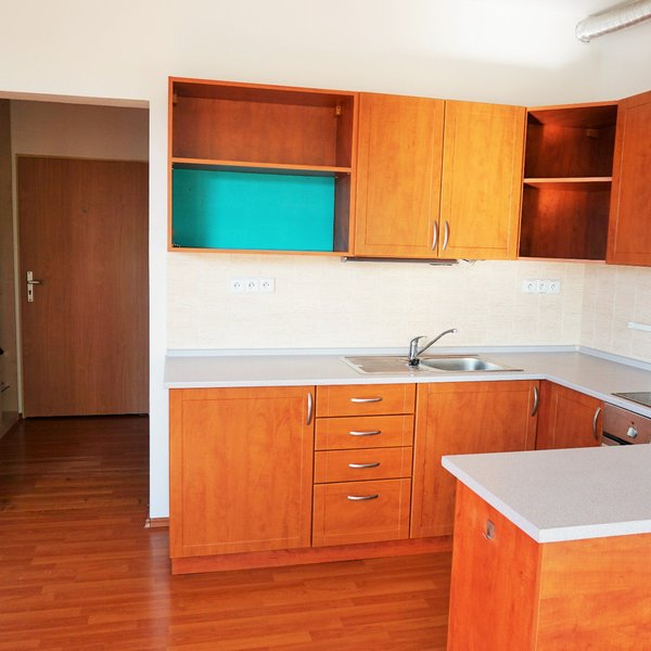 Pronájem bytu 1+kk s balkonem, 37m² - Boskovice