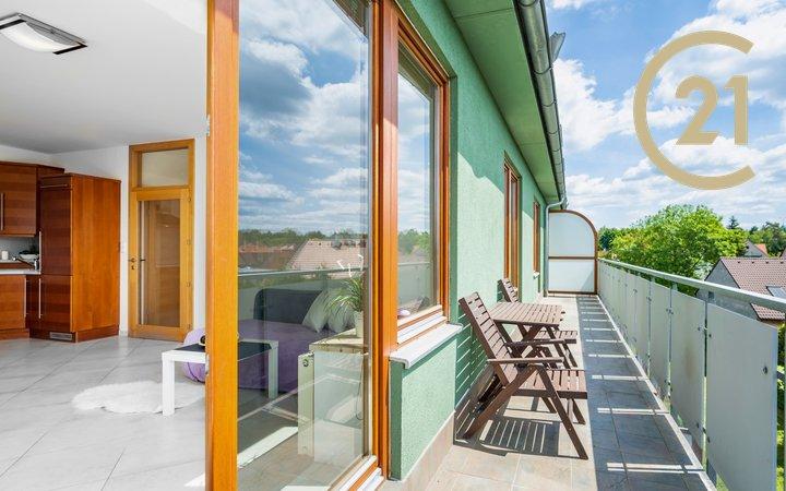 Luxusní byt 3+kk, 103 m2 se dvěma balkony a garáží