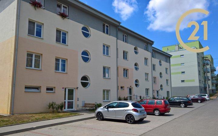 Pronájem zařízeného bytu 2+kk s balkonem, Rousínov
