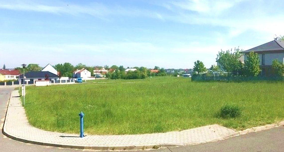 stavebni-pozemek-1054m2-praha-vychod-herink-img-6747-76c4eb (1)