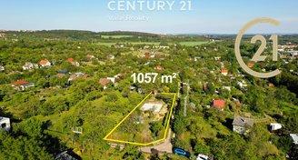 Prodej stavebního pozemku včetně stavebního povolení pro RD, Znojmo (1057 m2)