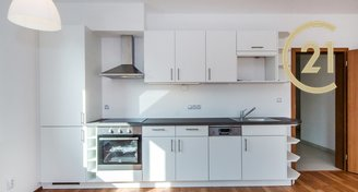 Pronájem bytu 1+kk 46m2/GS a předzahrádka 151m2 v ulici U Svahu, Slivenec - Praha 5