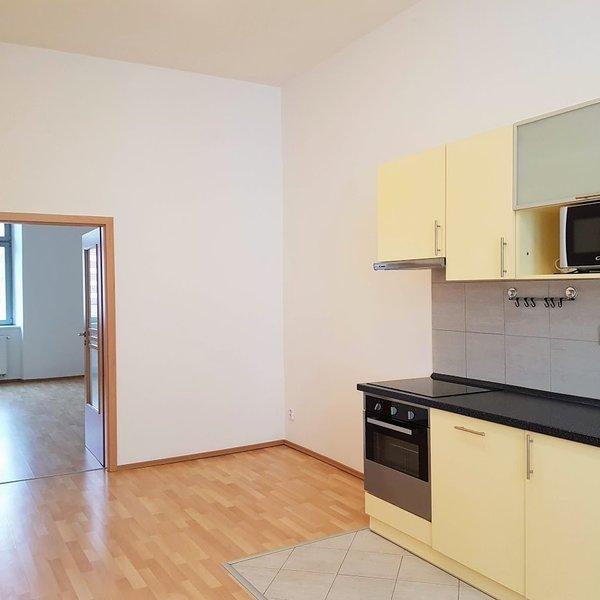 Zrekonstruovaný byt 2+1, 86,1 m2, č. 7, Skrétova 38