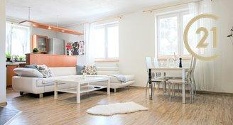 Prodej rodinný dům s garáží a zahradou, 210 m2, Malešovice