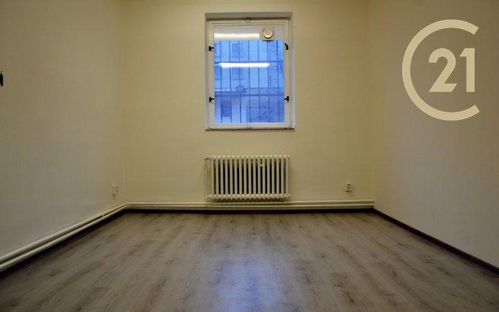 Pronájem, Kanceláře, 16,5m² - Praha - Holešovice