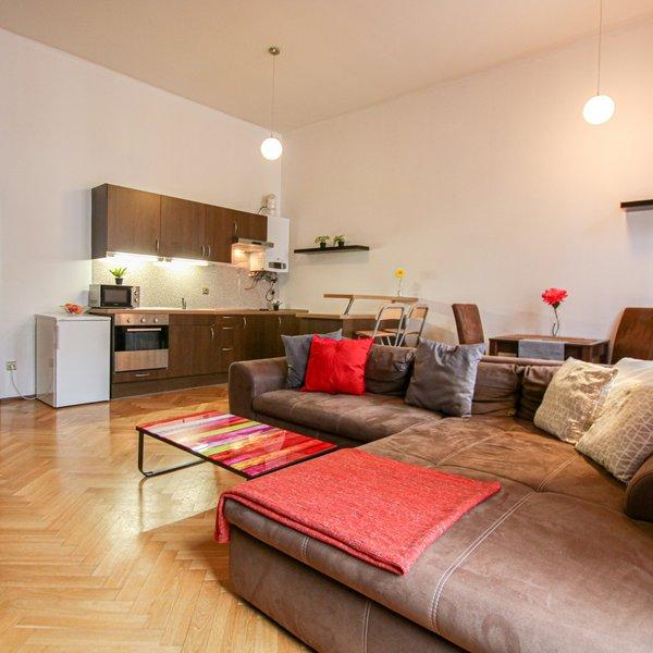 Prodej pěkného zařízeného bytu 2+kk v centru Brna, na ulici Údolní