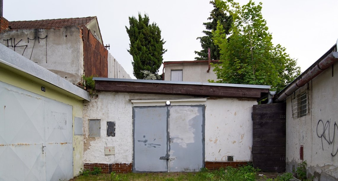 garaz01