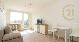 Pronájem slunného zařízeného bytu 2+kk, 43 m2, A/C, Frýdlantská  ul, P8 Kobylisy