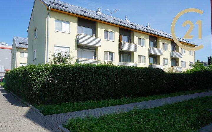 Pronájem bytu 2+kk s balkonem, Brno - Slatina